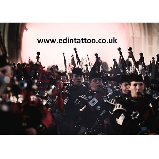 Picture of Exhibition Print - Massed Pipes and Drums